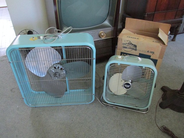 Lakewood Box Fan 20 : Minty early lakewoods post vintage antique fan